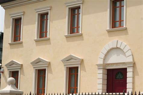 cornici finestre cornici contorni per finestre by eleni