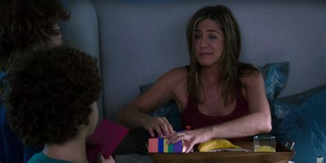 film semi my new mother first trailer of jennifer aniston in new mother s day