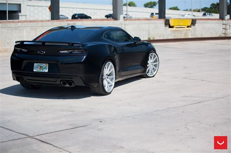 Whells Langka Th Chevy vossen sticks 22 inch vfs 1 rims on the 2016 camaro ss and the result is beautiful