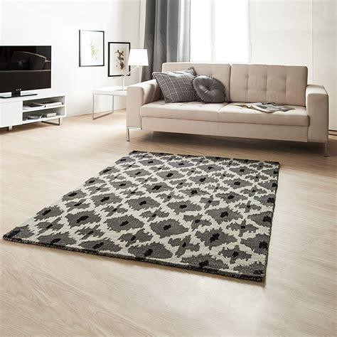 teppich schwarz grau weiß coole tapeten skandinavisch