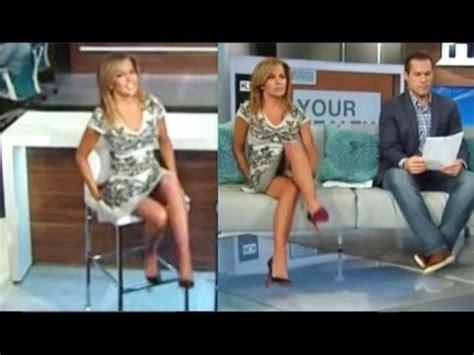 jennifer westhoven short skirt and hot legs on cnn tv robin meade 10 30 13 her hottest leg cross ever 15 56