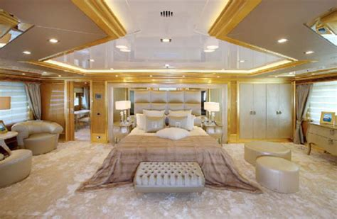 lade di lusso lo yacht lara benetti decorato by fendi casa