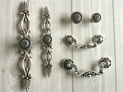 Kitchen Cabinet Pulls And Knobs Discount by Dresser Knobs Drawer Pulls Handle Sunflower Antique Silver