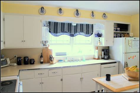 white kitchen cabinets what color walls mexican kitchen white paint colors for kitchen walls with