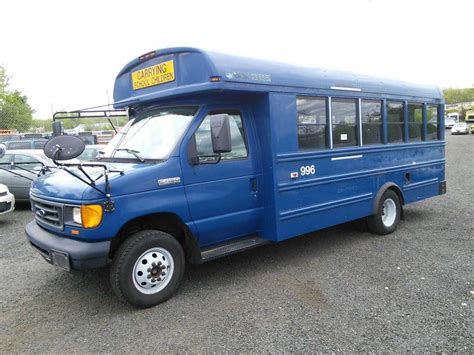 Ford E450 by 2006 Ford E450 Hartford Ct 06114 Property Room