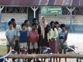 alur film laskar pelangi laskar pelangi best malay speaking movie ever