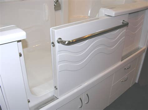 bathtubs with doors bathtubs you sit in with door 171 bathroom design