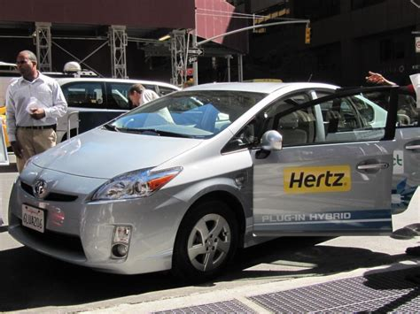 Car Rental Types Hertz by Hertz To Rent Electric Cars Like Nissan Leaf In Selected Areas