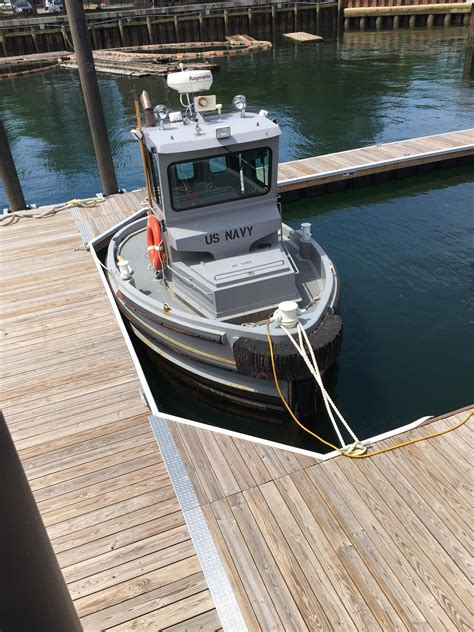 navy tug boats for sale this small navy tug boat in boston mildlyinteresting