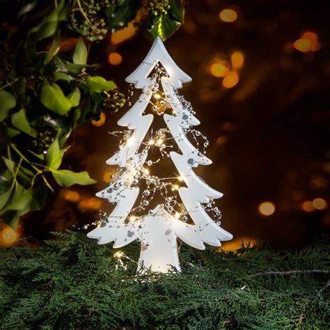 fensterbrett weihnachten skulptur weihnachtsbaum f 252 r fensterbrett tischdeko zu