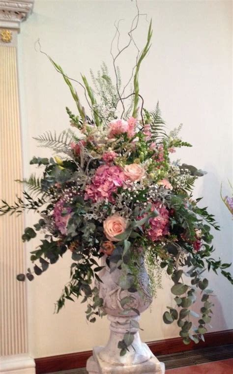 Large Flower Arrangements For Weddings by Best 25 Large Flower Arrangements Ideas On