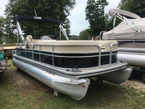 lowe pontoon boat seats lowe pontoon boats for sale