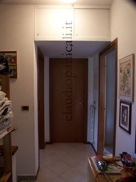 sopra porta sgabuzzino ripostiglio corridoio armadio a mobile camerino
