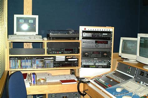 Free Radio Station by Radio Station Pictures Free Use Image 11 41 32 By