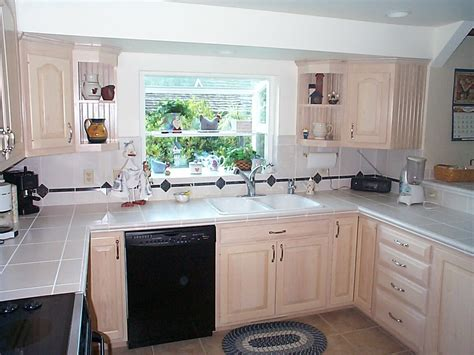 Light Maple Kitchen Kitchen Lovely Kitchen Decoration With Light Maple Kitchen Cabinet Along With Green Tile