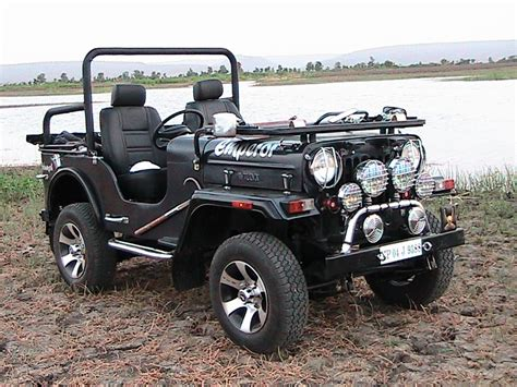 classic jeep modified mahindra classic modified wallpaper 1024x768 16601