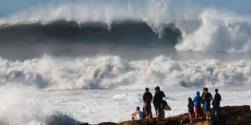 alerte des vagues impressionnantes sur la c 244 te atlantique