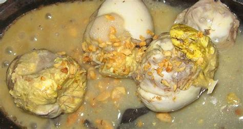 the worlds 3 most disgusting egg dishes oddity central top 5 weird and disgusting foods from around the world