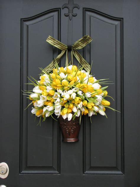 spring outdoor wreaths spring tulips spring wreath yellow tulips by twoinspireyou