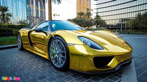 gold porsche 918 world s first chrome gold wrapped porsche 918 spyder