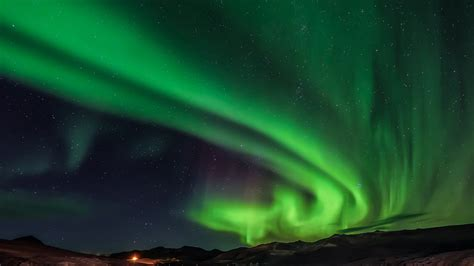 green light in the sky 2017 iceland shuts off the street ls for a magnificent
