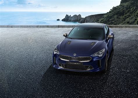 kia stinger previewed  teeny weeny exterior