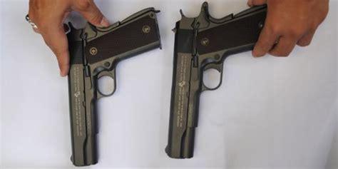 Mainan Pistol Pistolan Polisi Tentara Pistol Mainan Anak pedagang pasar gembrong kita jual airsotf gun mainan anak merdeka