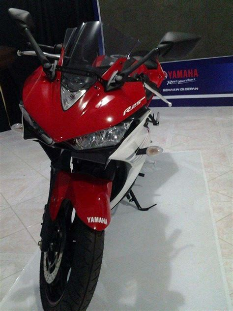 yamaha yzf r25 debuts in indonesia asphalt rubber