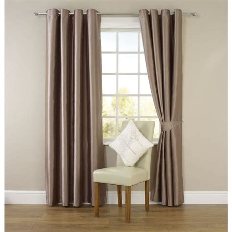 silk curtains for living room 25 best ideas about green eyelet curtains on pinterest