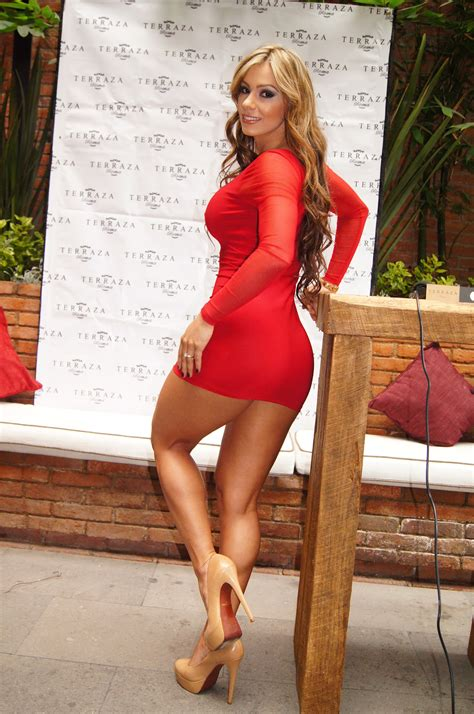 imagenes hot esperanza gomez esperanza gomez in a tight red dress legs highheels