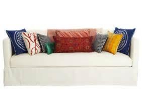 Sofa Throw Pillow Ideas Decorating Ideas Using Throw Pillows Alan And Davis
