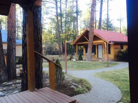 beautiful picture of shadow mountain lodge and cabins