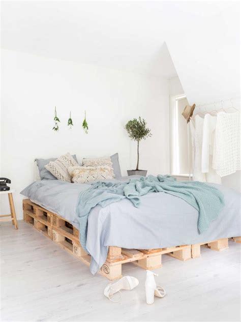 chambre palette bois meuble en palette 34 id 233 es fra 238 ches de diy d 233 co naturelle