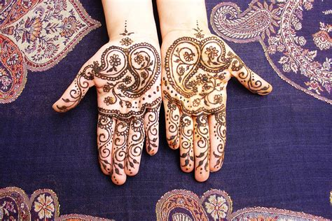 are henna tattoos safe what is henna and is it safe for my