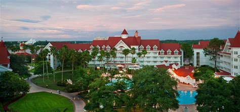 5 disney hotels to visit during your walt disney world vacation