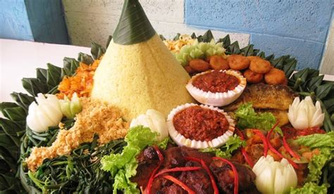 membuat nasi tumpeng resep nasi tumpeng cake ideas and designs