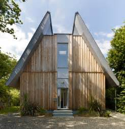 hoo house features on grand designs