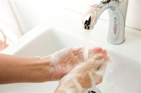diseases from not washing hands after bathroom cholera