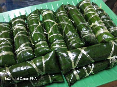 ketupat pulut daun pisang dibuat  raya puasa