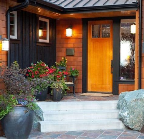 smart ways  personalize  front door  flowers
