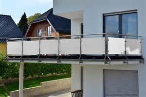 kunststoffplatten fã r balkon hpl fassadenplatten zuschnitt nach ma 223