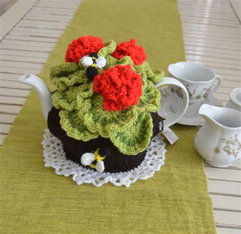 geranium tea cosy tbee cosy