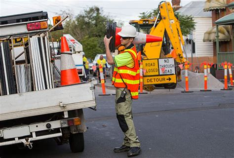 construction traffic management on construction sites foresite training courses available now
