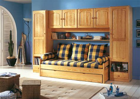 chambre a coucher avec pont de lit lit banquette chambre pont ra secret de chambre