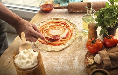 fare la pizza in casa come fare la pizza in casa