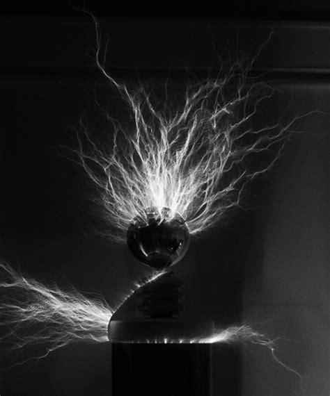 White Tesla Coil Tesla Coil By Markus Weldon On Deviantart