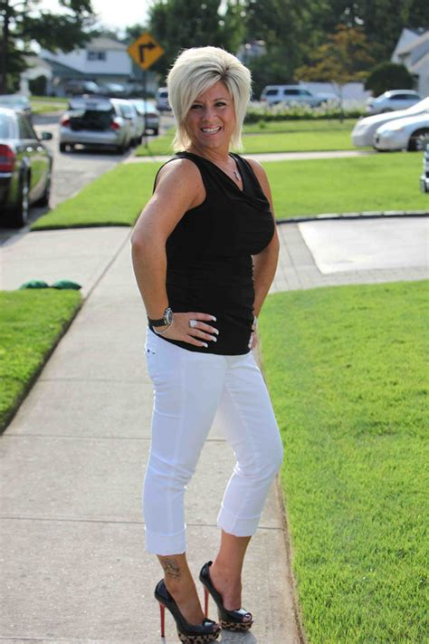 long island medium clothes what stores does theresa caputo shop at