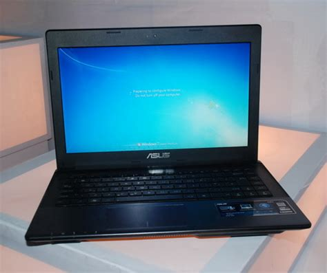 Notebook Asus X45u Vx021h magnum opuses at the opus asus showcases new notebooks