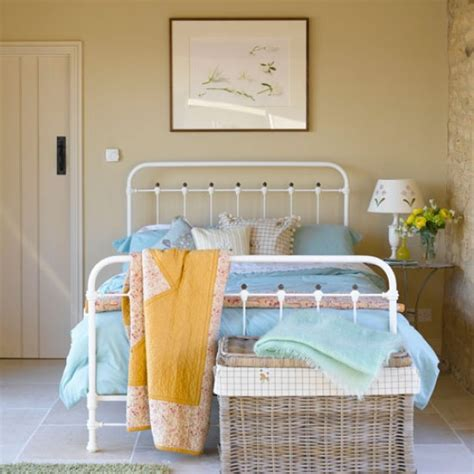 Simple Country Home Decor Simple Vintage Style Bedroom Country Bedroom Housetohome Co Uk