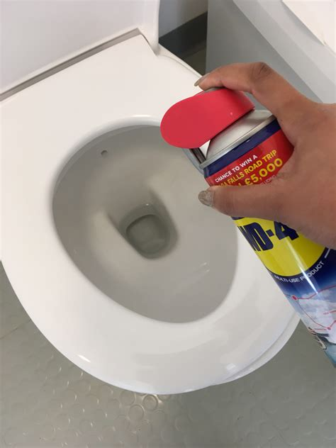 wd toilette wd 40 hacks cleans toilet bowls with ease